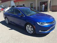 2015 Chrysler 200 Limited 13000kms