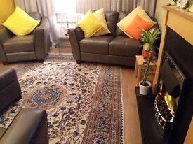 Handmade nain persian rug . Thick pile no wear