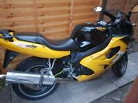 Triumph tt 600cc