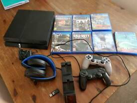 PS4+2 CONTROLLERS+WIRELESS HEADSET+7GAMES!