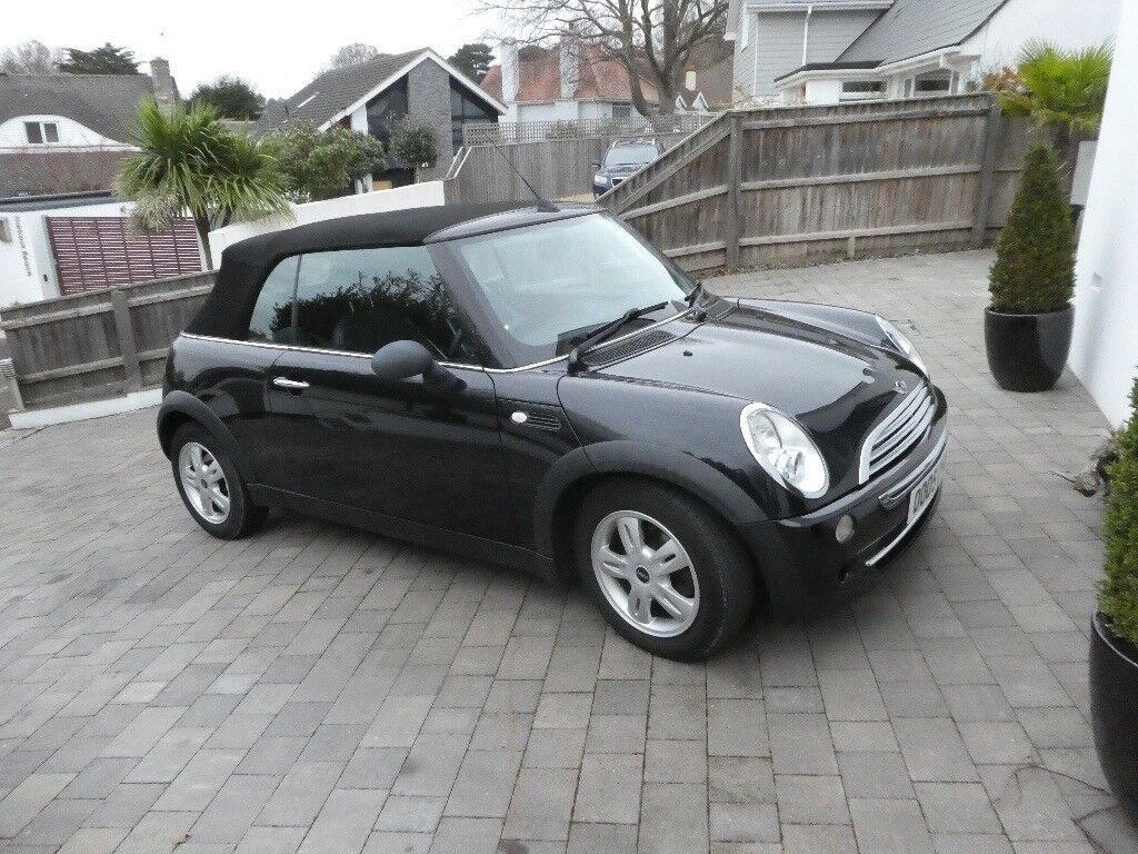 1.6L Black Mini One Convertible 07 Plate