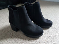 NEWLOOK Size 7 black suedette ankle boots with elastic stretch panel