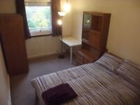 Affordable double room in very central Edinburgh apartment, 9 months