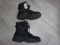 Magnum Amazon Boots UK7 BNWT
