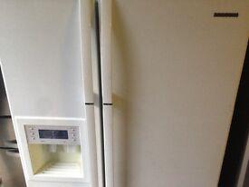 Samsung white American fridge freezer..mint free delivery
