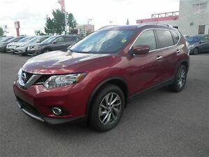 2015 Nissan Rogue SL Tech | NAV | Leather | Heated Seats | Moonr