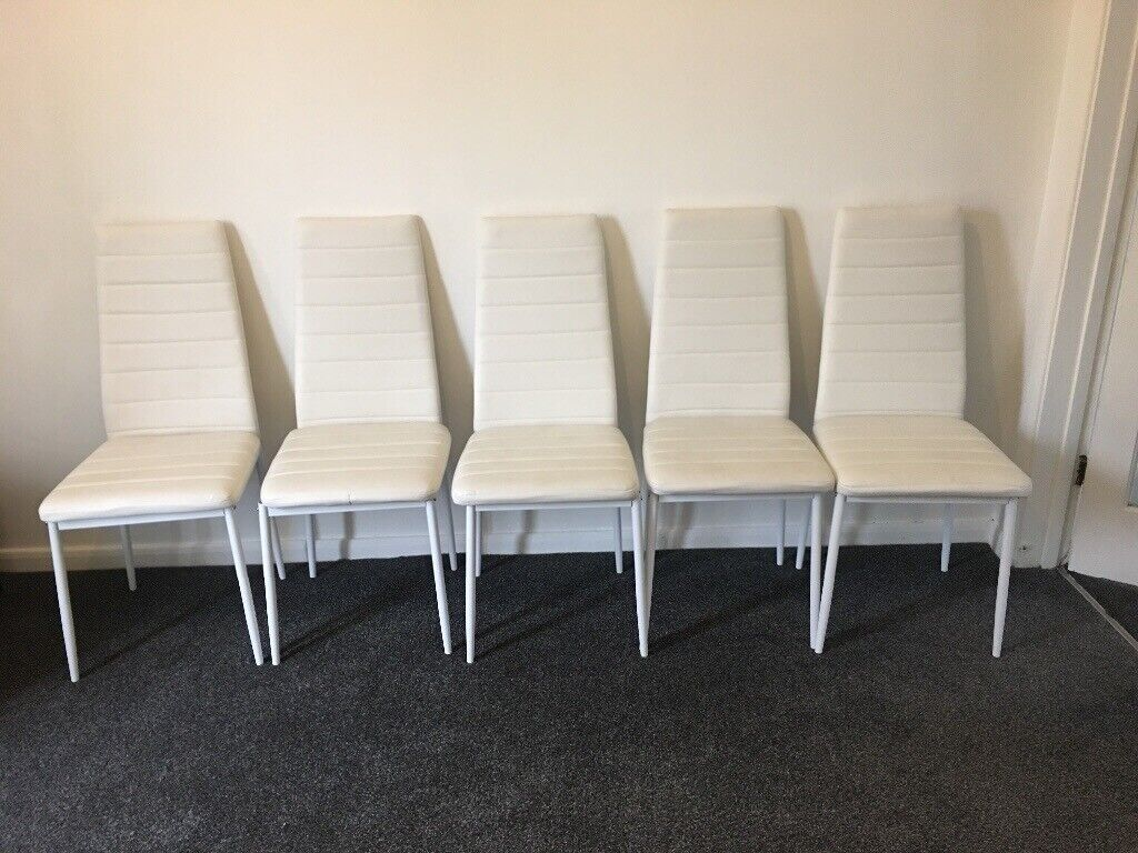 Picture of: 6 X White Leather Dining Table Chairs For Sale In Luton Bedfordshire Gumtree