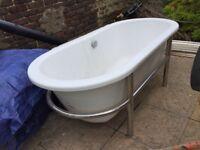 Modern Free Standing Bath Tub