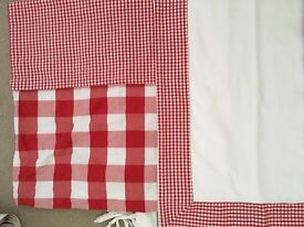 Red and white gingham children's bed linen set