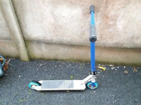 Crisp ultima scooter, blue speccled pattern. One year old. Relatively good condition.