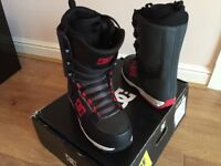 Snowboard boots DC Size 9 (UK)