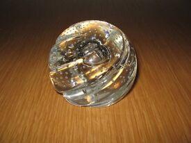 CAITHNESS GLASS PAPERWEIGHT WHIRLYGIG