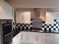 Beautiful 3 double bed room house to rent close to seven kings station