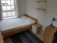 Large Double Room available with sep. lounge, walk-in shower. 5 minutes walk from Old St station