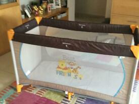 Travel cot with travel bag