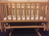 Mama's & Papa's Gliding Crib