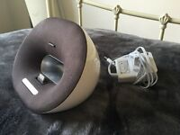 Speaker Dock - Philips 30-pin iPod/iphone speaker/charger dock - RRP £50 - Selling for £10