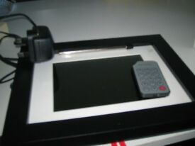 DIGITAL PHOTO FRAME TO SHOW PICTURES