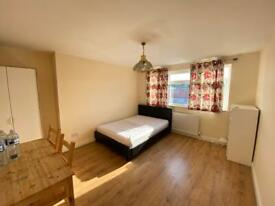 Double room for Female Only at Acton W37JP