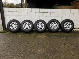 Defender /discovery 1 alloy wheels and tyres