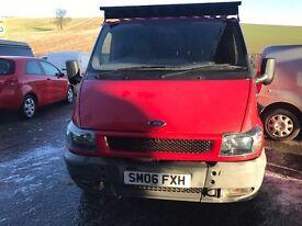 RED VAN FORD TRANZIT 2.0 TURBO DIESEL TOW BAR ROOF RACK NON RUNNER SPARES OR REPAIR