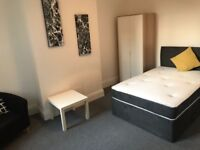 *** LOW DEPOSIT PROFESSIONAL HOUSE SHARE ***