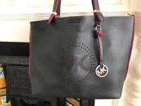 Beautiful ladies hand bag (like Michael Kors)