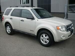 Ford Escape XLT 4X4 2008 * GARANTIE 3/60 in* 4 cyl AUTO.