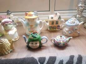 BARGIN DEAL ANTIQUE COLLECTORS TEAPOTA