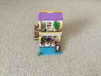 Lego Friends 41037 Stephanie Beach House with box