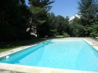 France Provence Holiday Villa w pool for rent 84240 Ansouis 30 k from Aix en Provence Quiet Comfort