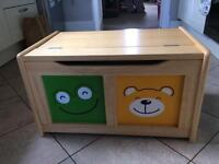 Pintoy 4 Friends Toy Chest /Box