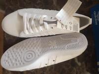 New adidas Nizza trainers size 9
