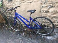 Apollo cx10 ladies hybrid bike 21 gears 18 inch aluminium frame 28 inch wheels v brakes