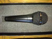 2 x microphones