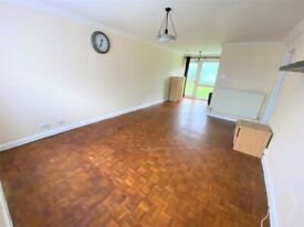 Excellent Condition Ground Floor Purpose Built Flat with Shared Garden and Garage in Chadwell Heath