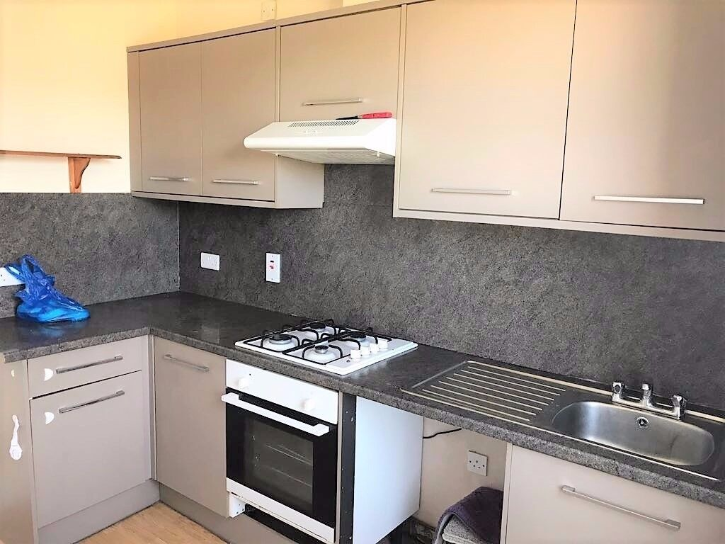 LARGE MODERN 3 BED FLAT TO RENT IN GOODMAYES FOR £1250PCM! LESS THAN 5MINS WALK TO GOODMAYES STATION