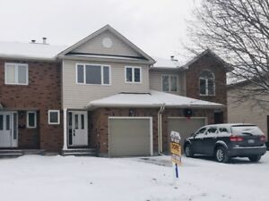 Townhome for Rent Ottawa 92 Cedarock Drive