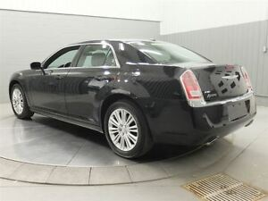 2014 Chrysler 300 AWD MAGS TOIT PANO CUIR West Island Greater Montréal image 11