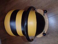 Wheely Bug Bee Ride-on - Large Wheelybug