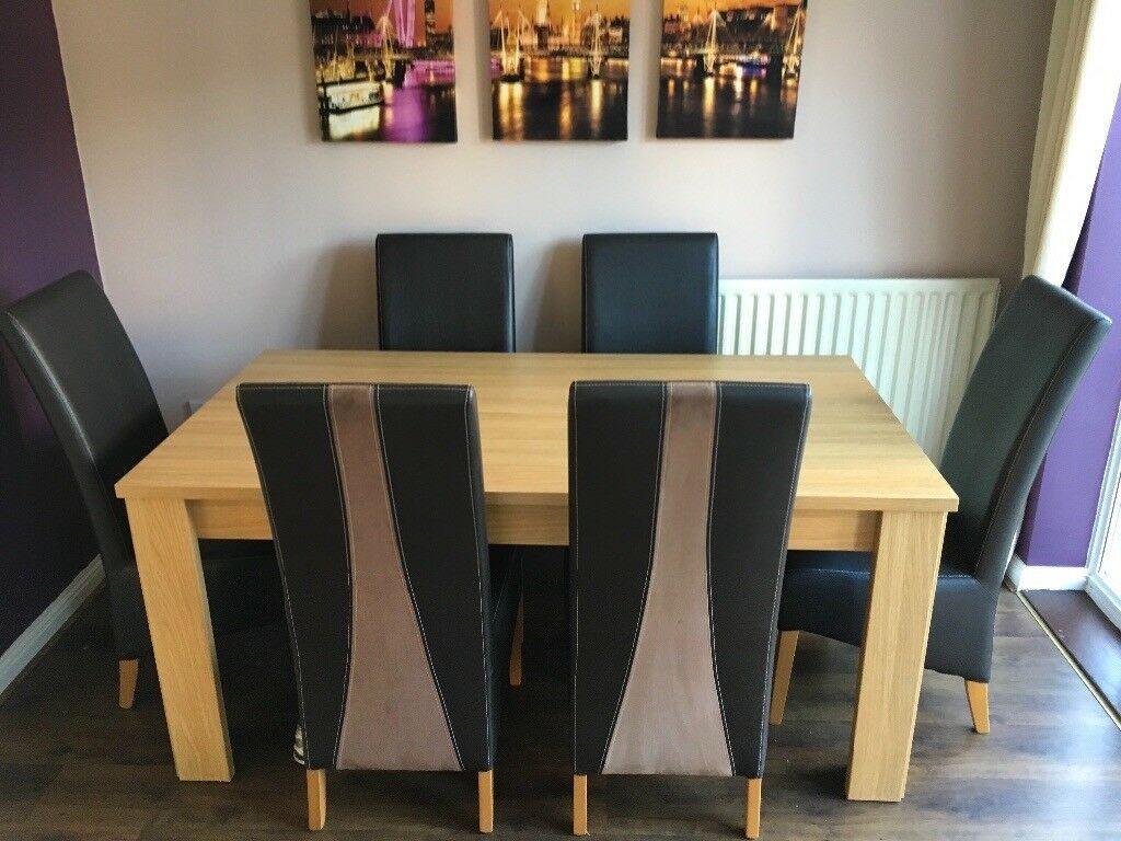Oak Dining Room Table And 6 Real Leather Chairs With