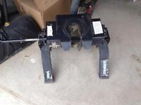 Husky 5th Wheel Hitch, Rails & Hardware Included
