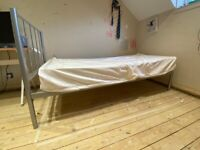 FREE METAL SINGLE BED AND MATTRESS