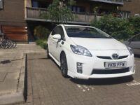 10th anniversary Toyota Prius in WHITE