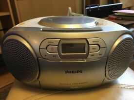 Philips AZ127 portable CD player with radio and cassette