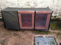 OUTDOOR RABBIT HUTCH WITH THERMAL COVER