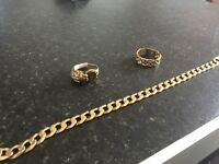 9ct gold bracelet and 2 rings text only