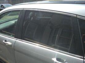 HONDA CRV CR-V MK3 2009 NEAR SIDE REAR DOOR WINDOW DROP GLASS PASSENGERS N/S/R