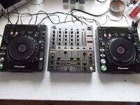 PIONEER CDJ1000MK3 TURNTABLES AND DJM600 MIXER