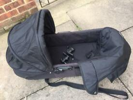 Black baby jogger compact carrycot with adapters
